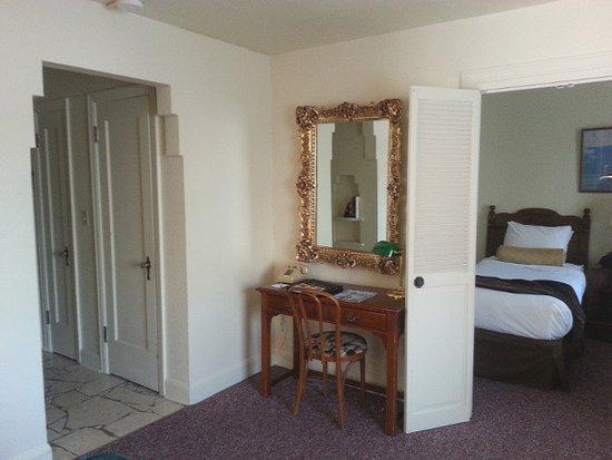 Baroness Hotel: 4th floor corner room, looking into the bedroom