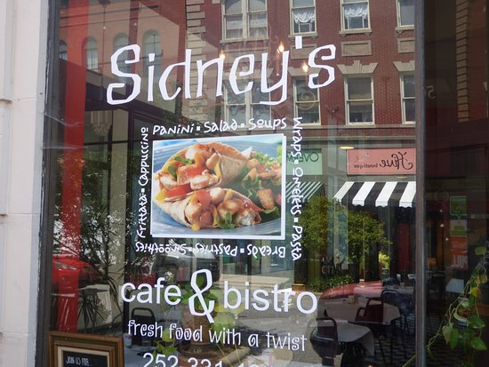 Sidney's Cafe and Bistro : The sign