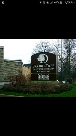DoubleTree Fallsview Resort & Spa by Hilton - Niagara Falls: Screenshot_2016-08-28-00-43-45_large.jpg