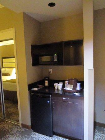 Miami Springs, FL: Fridge, microwave, coffe maker