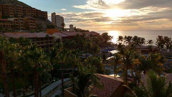 Grand Fiesta Americana Los Cabos All Inclusive Golf & Spa: Amanecer desde la habitación zona hotel