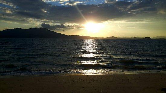 Sandbar Beach Resort: 20160824_221532_large.jpg