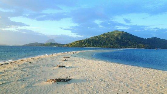 Sandbar Beach Resort: 20160824_221810_large.jpg