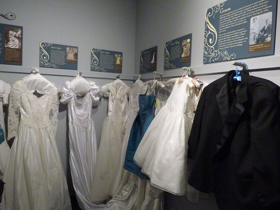 Elizabeth City, Carolina del Nord: The Wedding Section