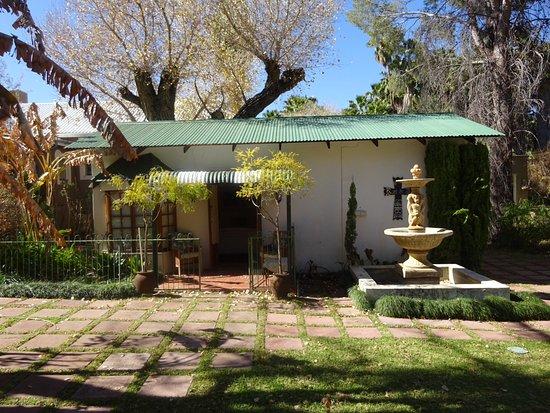 Upington, Republika Południowej Afryki: Blick auf das Zimmer und Terrasse