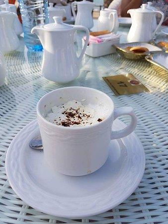 Al Khor, Катар: Coffee @ pool area