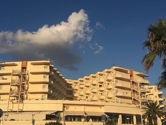لويس كرياتا برنسيس: Superbe hotel bien entretenu