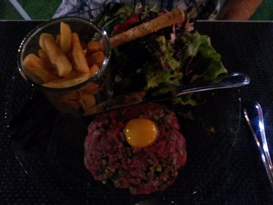 Les-Salles-sur-Verdon, فرنسا: Steak tartare avec viande de qualité goutue