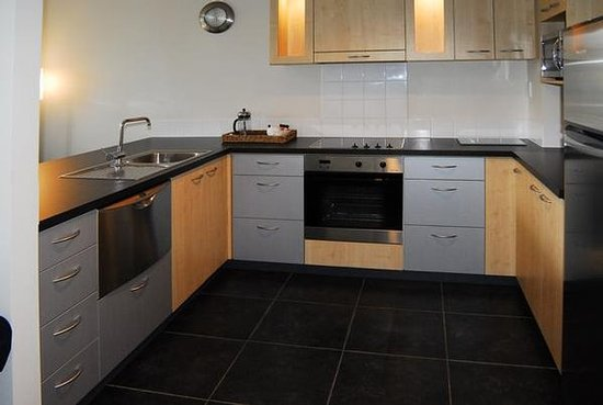 Kaikoura Apartments: Full Kitchen