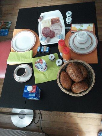 Merzig, Duitsland: Frühstück