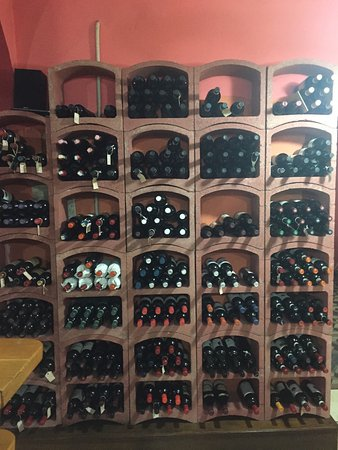 Gallicano, Italy: Lovely wine selection