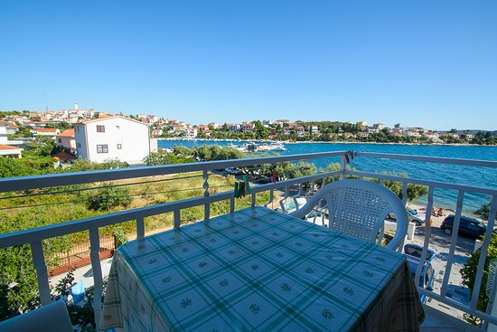 Seget Vranjica, Kroasia: Luxury apartment 3 bedrooms, 3 bathrooms second balcony