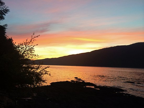 Port Renfrew Pub - the most spectacular sunset viewed from the dock just a short walk from the p