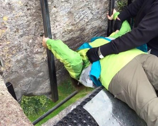 Blarney Castle & Gardens: Kissing the Blarney Stone