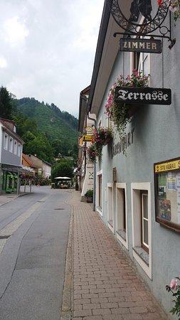 Murau, Austria: Hotel Bärenwirt von der Straße