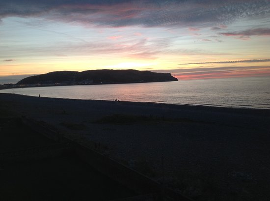 The Queens Hotel: Llandudno is famous for its sunsets.