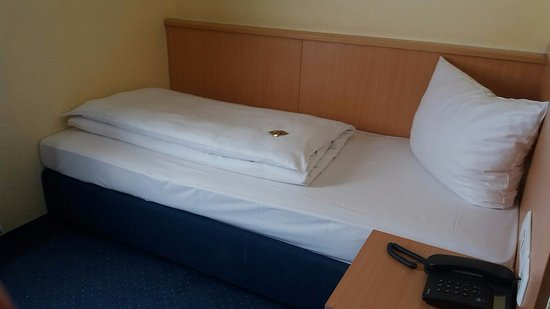 Ruckersdorf, Tyskland: Good bed, very clean