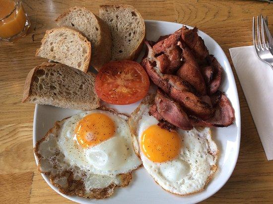 Brunnen, Zwitserland: Proper bacon is Switzerland!!!