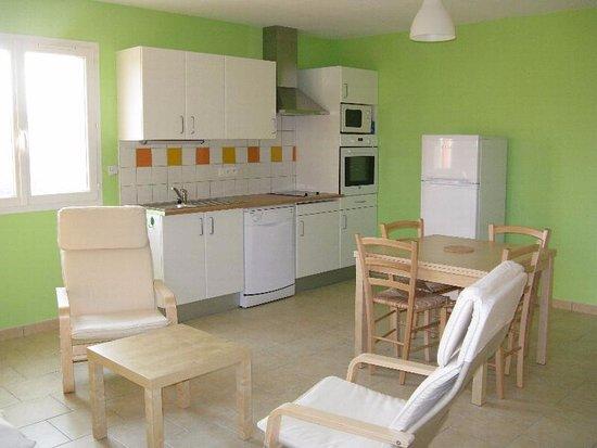 Nailloux, França: Pièce spacieuse et très confortable