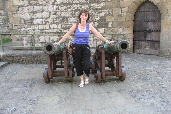 Caernarfon, UK: Someone about to get both barrels