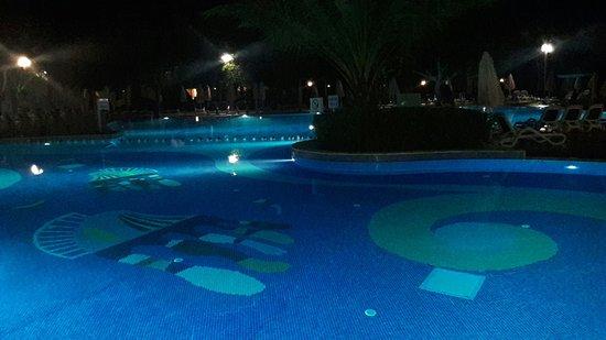 Gloria Golf Resort: 20160826_221005_large.jpg