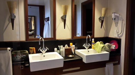 Salle De Bains 2 Vasques Picture Of Heritage Awali Golf Spa