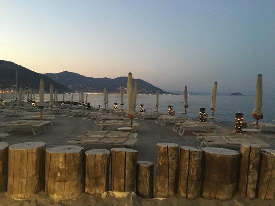Dall\'alto - Foto di Bagni Capo Mele, Laigueglia - TripAdvisor
