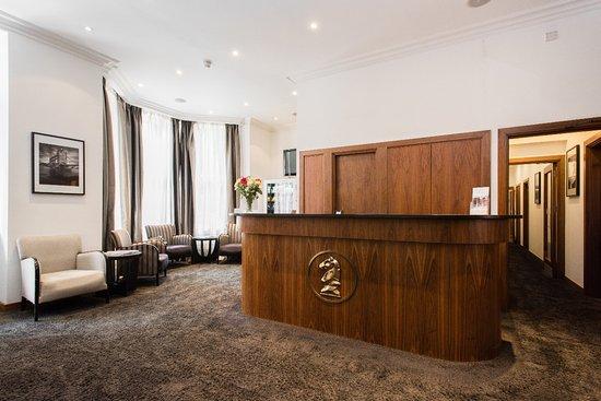Presidential Apartments Kensington: Lobby