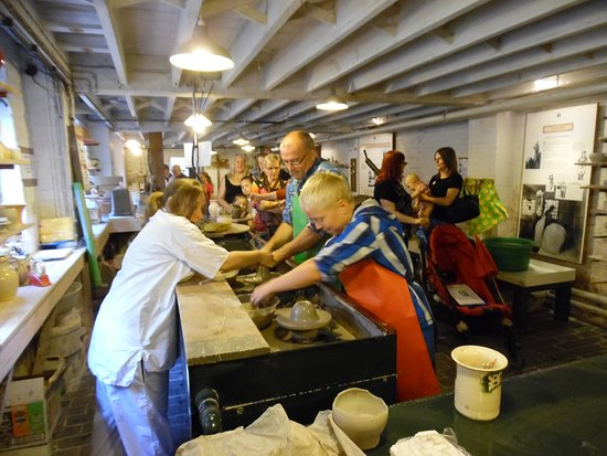 Longton, UK: Getting hands on with the clay