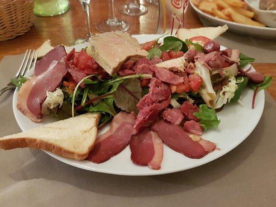 La Résidence : Salade gourmande avec 2 tranches de foie gras avant que je l'entame !