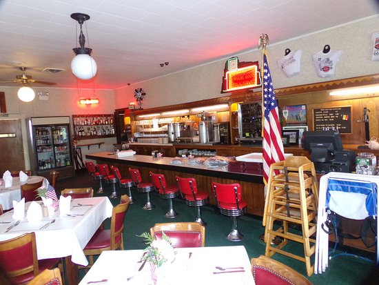 Litchfield, IL: Ariston cafe with 1935 clock above the bar