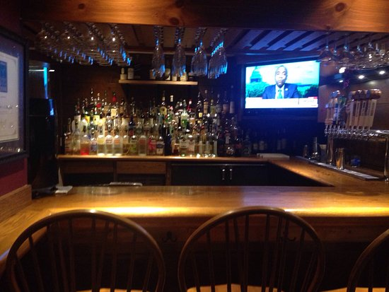 South Deerfield, MA: Full bar all the way to the right when you walk in.