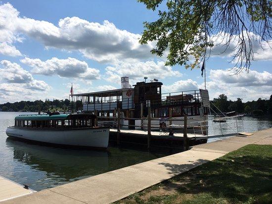 Skaneateles, NY: Dock for both boats