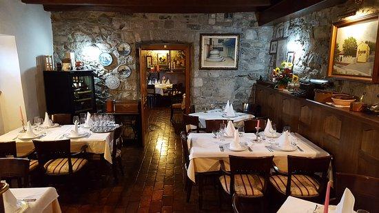 Sezana, Eslovenia: Innenrestaurant