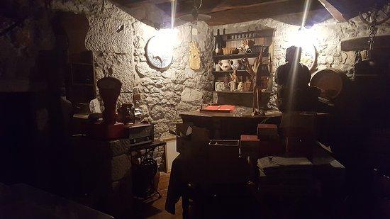 "Sezana, Eslovenia: Restaurant - ""Museum"""
