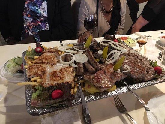 Macedonia Restaurant: photo1.jpg