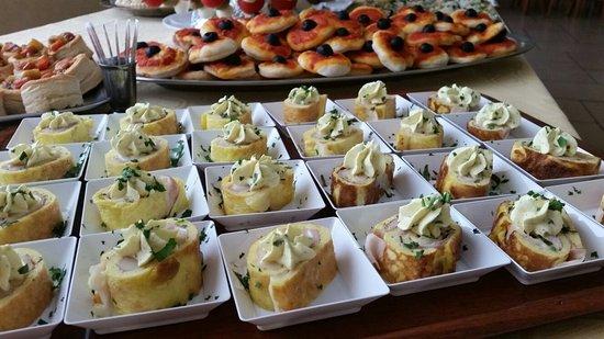 Rinfresco buffet per battesimo - Foto di Delizie Ristorante, Leini ...