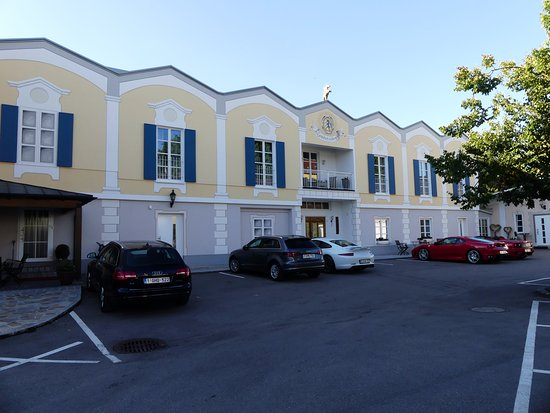 Zum Schloessle: Vue de l'hôtel