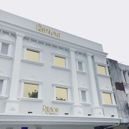 Ritzton Hotel