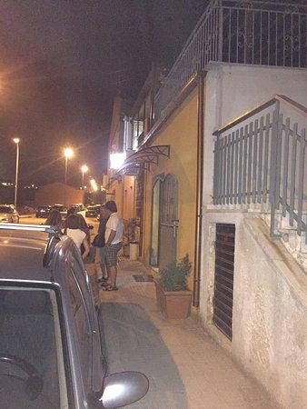 Olmedo, Italia: Vista notturna del locale