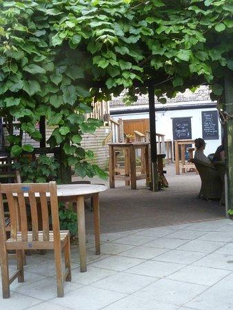 Garden area...nice place to dine!