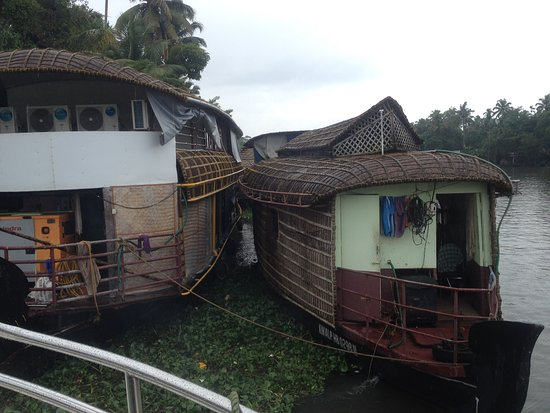 Floating house for one day!