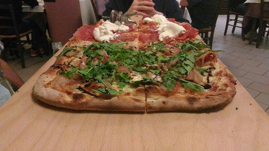 Oderzo, Italia: P_20160827_212341_large.jpg