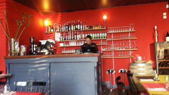Bourg-les-Valence, Fransa: Bar