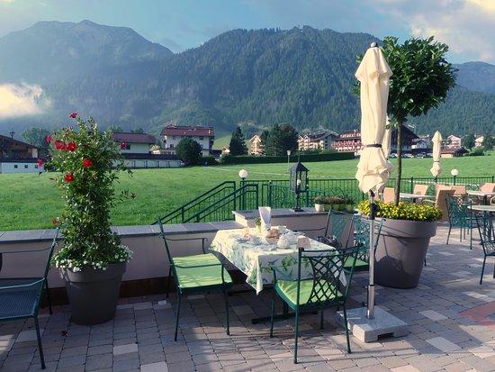 Terrasse pour les repas (par beau temps)