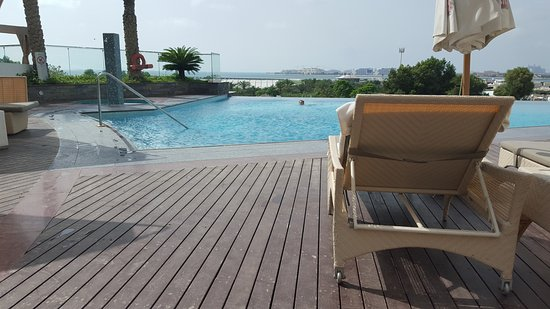 Habtoor Grand Resort Autograph Collection Adult Infinity Pool