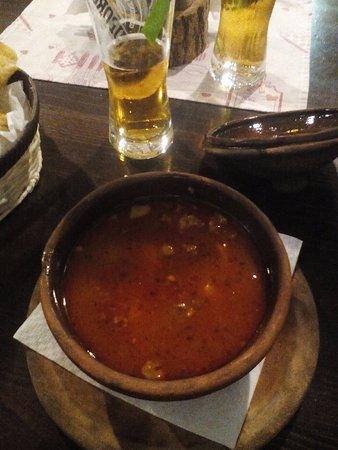 favolosa e leggera zuppa di manzo e patate