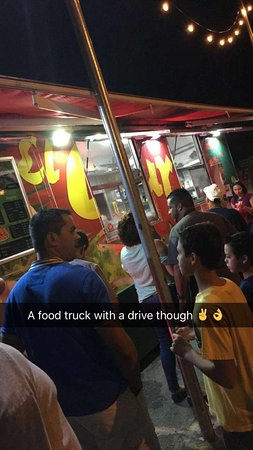 Line to order at Isla Verde location