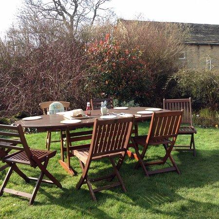 Holmfirth, UK: Garden furniture