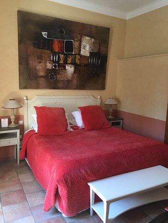 Le Mas Des Carassins Hotel: photo8.jpg